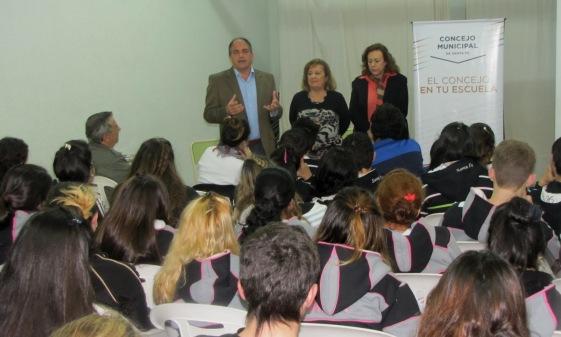 20120822103150_bustos.jpg